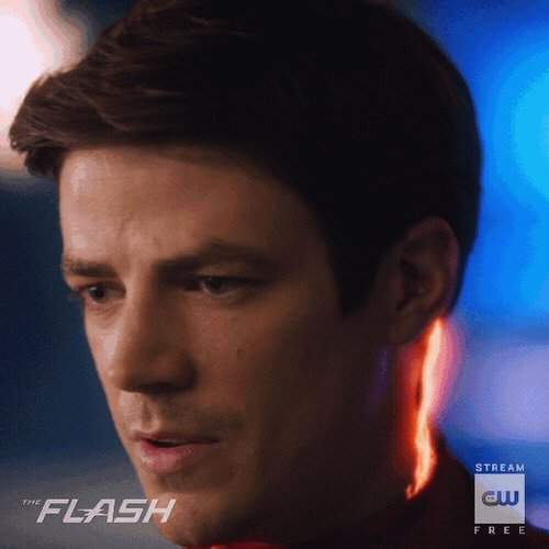 New year, new suit! The season premiere of #TheFlash starts NOW!