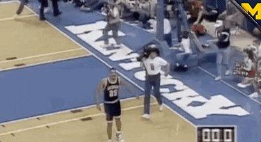 @J9Howard Did you teach him those dance moves? 😂〽️🏀💛💙 #GoBlue