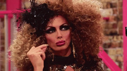 Watching both #DragRace & #DragRaceUK makes me want a smash up of both & have an international season. I'm in love with Bimini & Lawrence from uk2, Symone & Rose this year. Put in Bobo & Priyanka from CA.