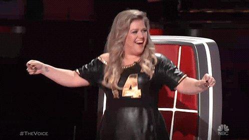 Happy Birthday Kelly Clarkson !!