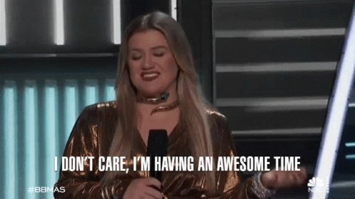 Happy birthday Kelly Clarkson!! Keep being you!