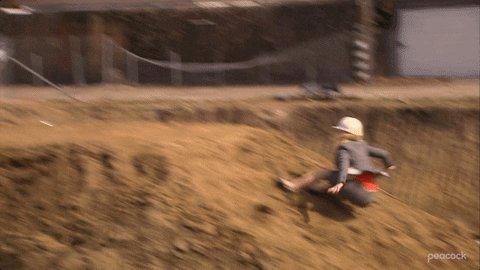 @parksandrec Live footage of Leslie running the course: https://t.co/uTYYOUm8Qs